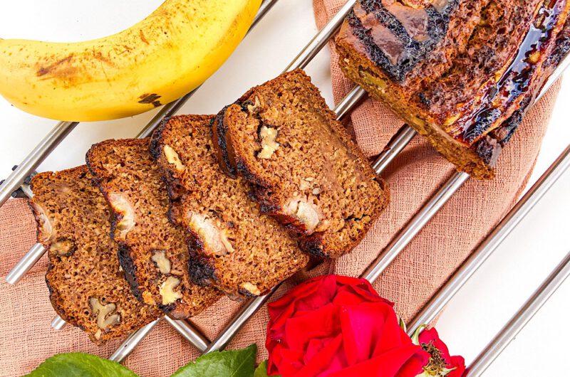 Saftiges Bananenbrot - einfach & vegan